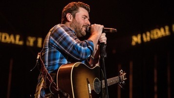 Chris Young Releases Latest Single 'Losing Sleep'