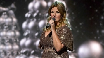 Trisha Yearwood Sings National Anthem at Predators Winning Conference Game