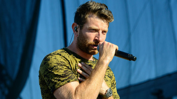 Brett Eldredge Launches 'Airwaves Sessions' Series, Performs New Music!