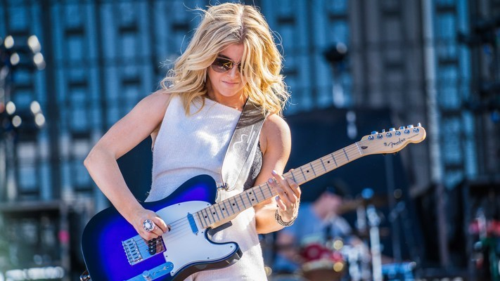 Lindsay Ell Makes Late-Night Debut on Jimmy Kimmel Live!