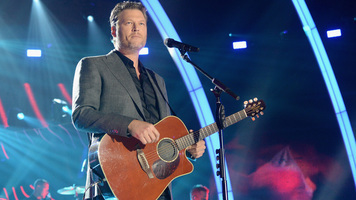 Blake Shelton & Kelly Clarkson Team Up For Warrior Games Concert