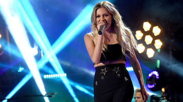 Kelsea Ballerini Brings The Girls Together For An Epic Evening