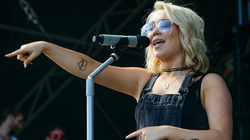 RaeLynn Shares Music Video For Single'Lonely Call'