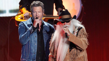 Blake Shelton & The Oak Ridge Boys Jam Out on 'Elvira' Live in The Studio