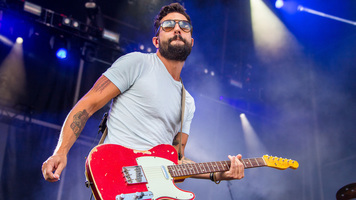 Old Dominion and Bud Light Team Up For Dive Bar Tour