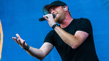 Cole Swindell Releases New Single 'Stay Downtown'