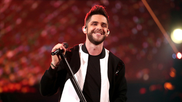 Thomas Rhett's Girls Steal the Show
