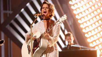 Maren Morris Signs Major Modeling Contract