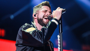 Thomas Rhett Throws Birthday Bash For Wife Lauren