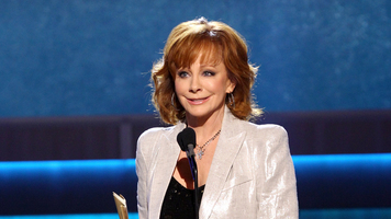 2017 'CMA Country Christmas' Lineup, Hosted by Reba McEntire