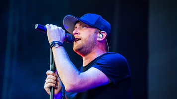 Cole Swindell Announces Headlining 2018 Down Home Tour