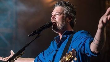 Blake Shelton Named 'People's' Sexiest Man Alive