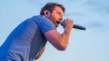Brett Eldredge Performs 'The Reason' As Part of Video Series