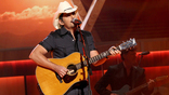 Brad Paisley Rocks Out With Michael J. Fox During Parkinson's Gala