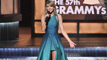 Taylor Swift Releases'New Year's Day' to Country Radio
