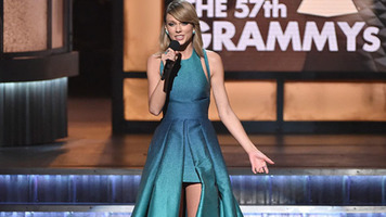 Taylor Swift Releases 'New Year's Day' to Country Radio