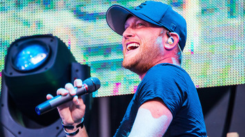 Cole Swindell Gives Us A Reason To Drink On His New 2018 Tour