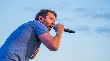 Brett Eldredge Announces The Long Way Headlining Tour