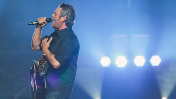 Blake Shelton & Jennifer Hudson Perform Together on 'The Voice'