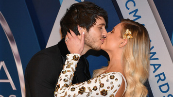 Kelsea Ballerini Weds Morgan Evans in a Beautiful Beach Celebration