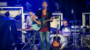 Brett Young Brings The Holiday Cheer On 'Live With Kelly & Ryan'