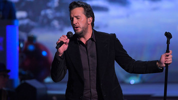 Luke Bryan Is Dropped From The Ceiling During Hilarious Game On'Ellen'