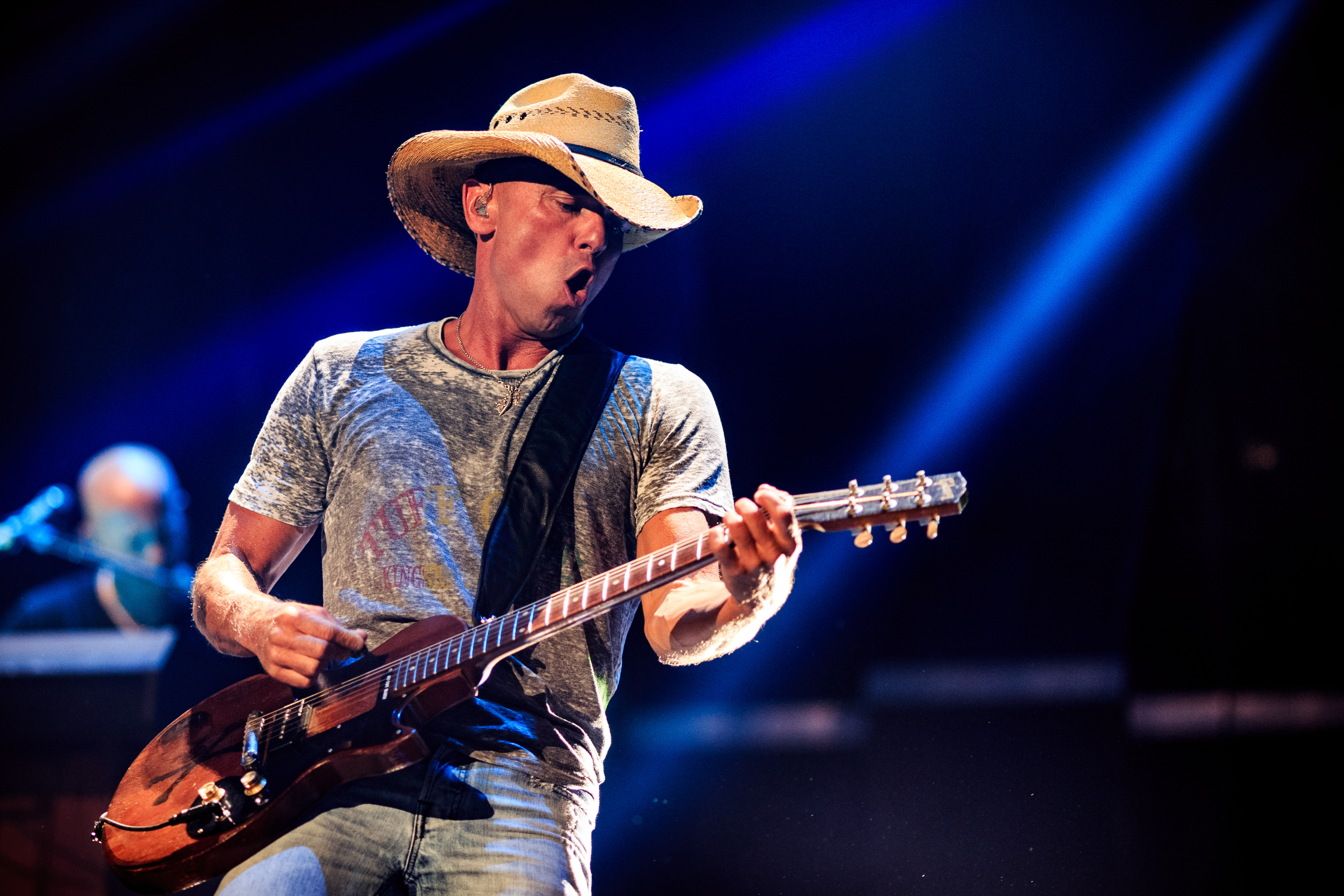 Kenny Chesney Performs \'Jesus and Elvis\' on \'S... | News | MegaCountry