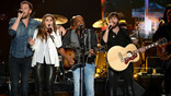 The 'Summer Plays On' For Darius Rucker & Lady Antebellum