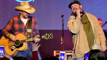 Jason Aldean & Garth Brooks Surprise Crowd During 2018 CRS