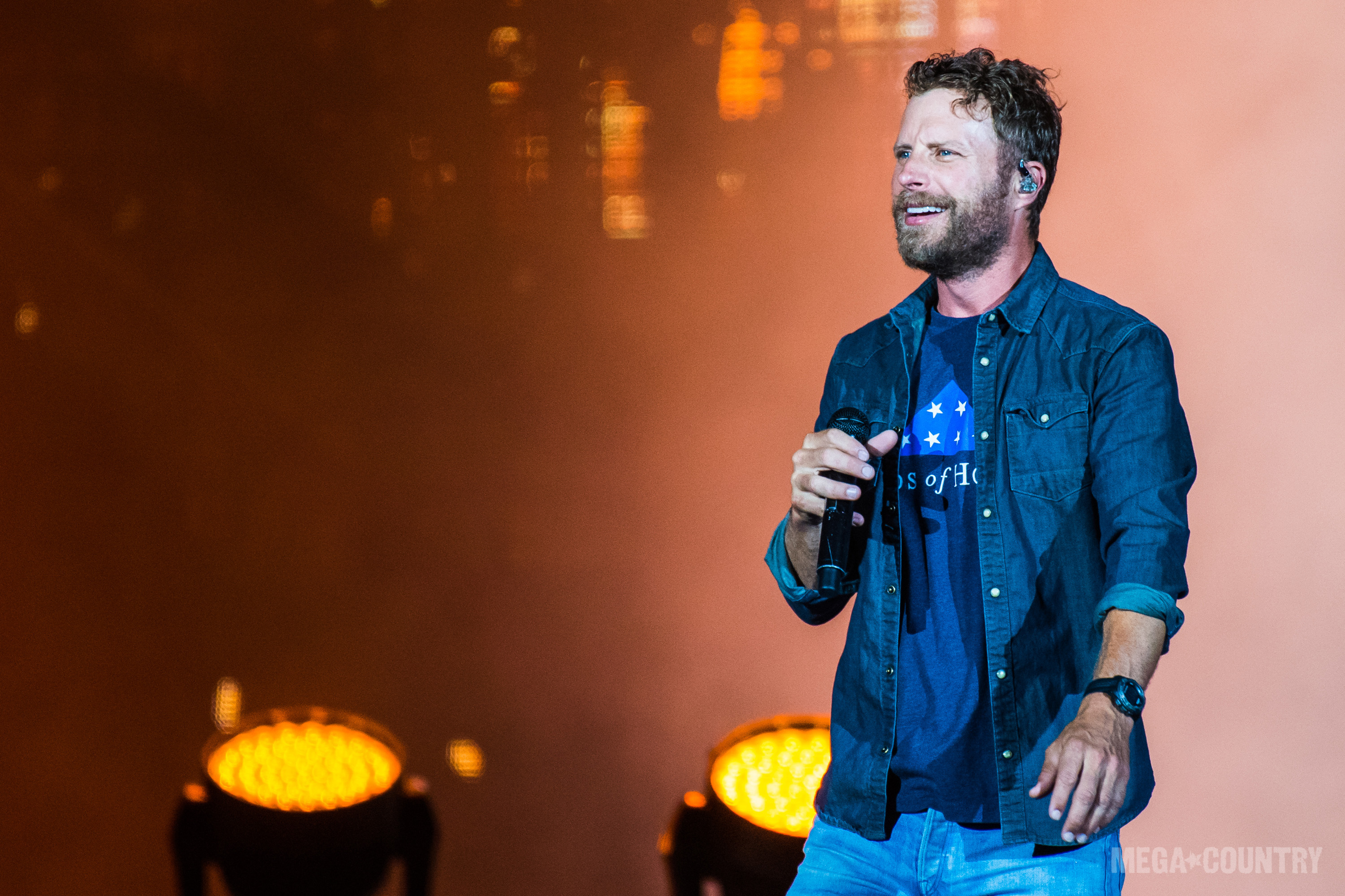 along dierks at casino rain to the hits entertainment hollywood mo country brings bentley with columbia star amphitheatre image music article