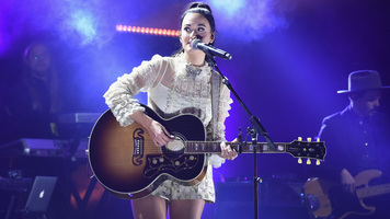Kacey Musgraves Releases Two Songs From New Album, 'Golden Hour'