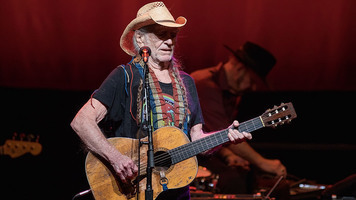 Willie Nelson Releases 2018 Lineup For Fourth of July Picnic