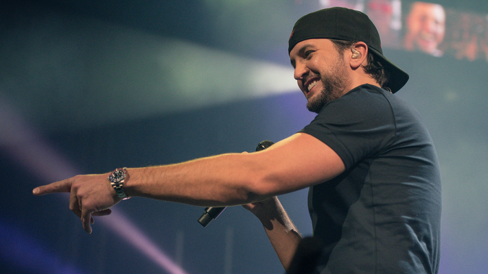 Luke Bryan Takes Over NYC For 'American Idol' Promo, Shares Judges' Secrets
