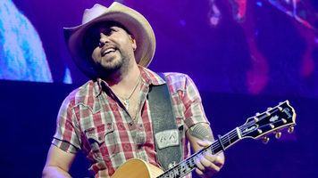 Jason Aldean Reveals Track Listing For Upcoming Album'Rearview Town'