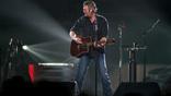 Blake Shelton Visits A Palm Reader On'Fallon,' Performs Live On'Seth Meyers'