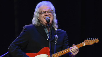 Dottie West, Ricky Skaggs & Johnny Gimble Announced As 2018 Hall Of Fame Inductees