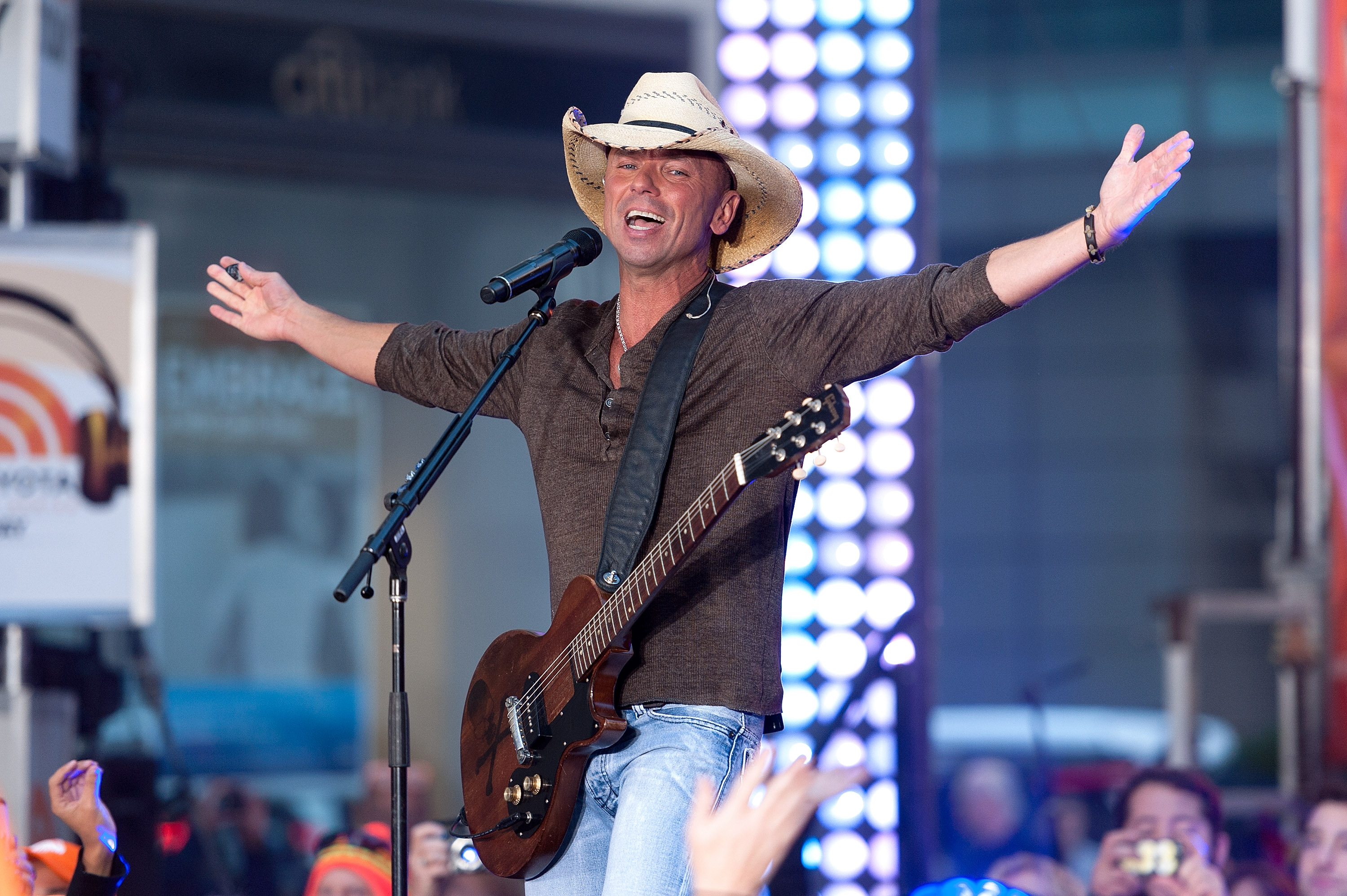Kenny Chesney Wants Us All To Just \'Get Along\' | News | MegaCountry