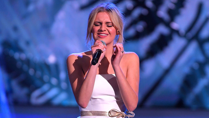 Kelsea Ballerini Performs 'I Hate Love Songs' on 'James Corden'