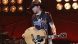 Find Out How Jason Aldean Just Made Music History!