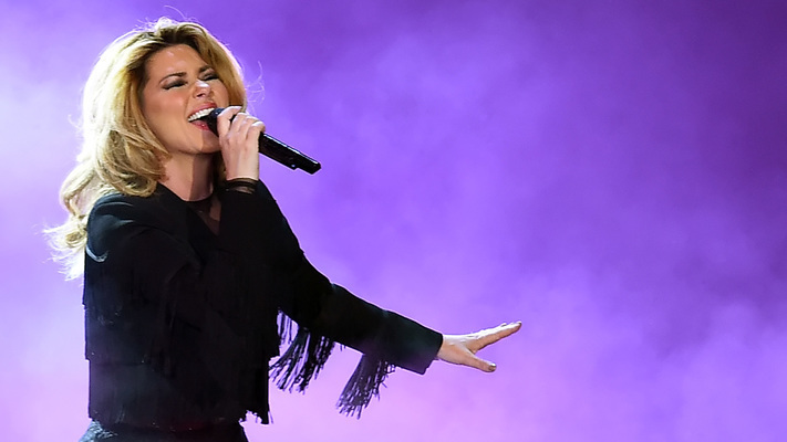Shania Twain Performs Mini-Concert On 'Today'