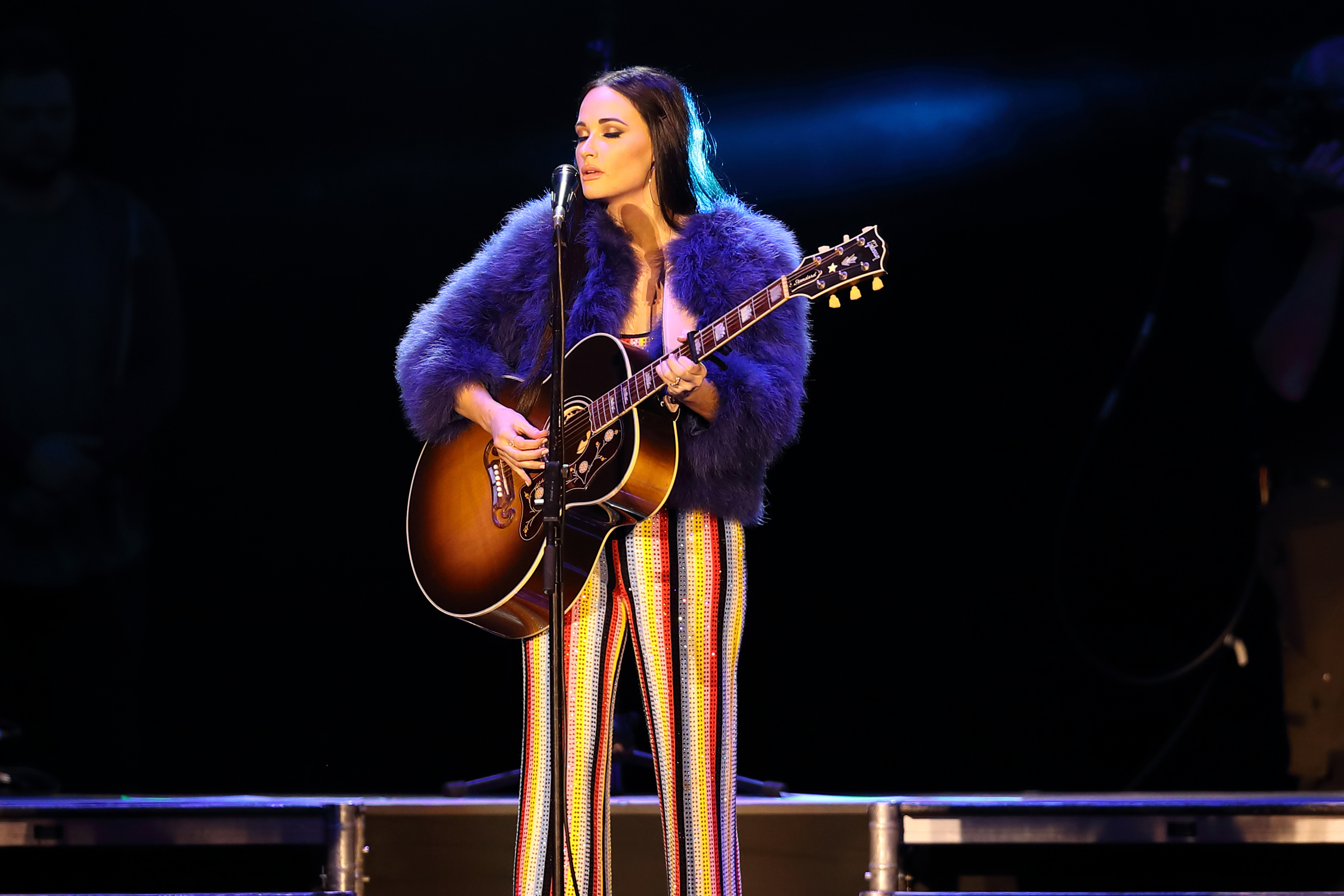 Kacey Musgraves\' \'High Horse\' Video Is Shaking... | News | MegaCountry