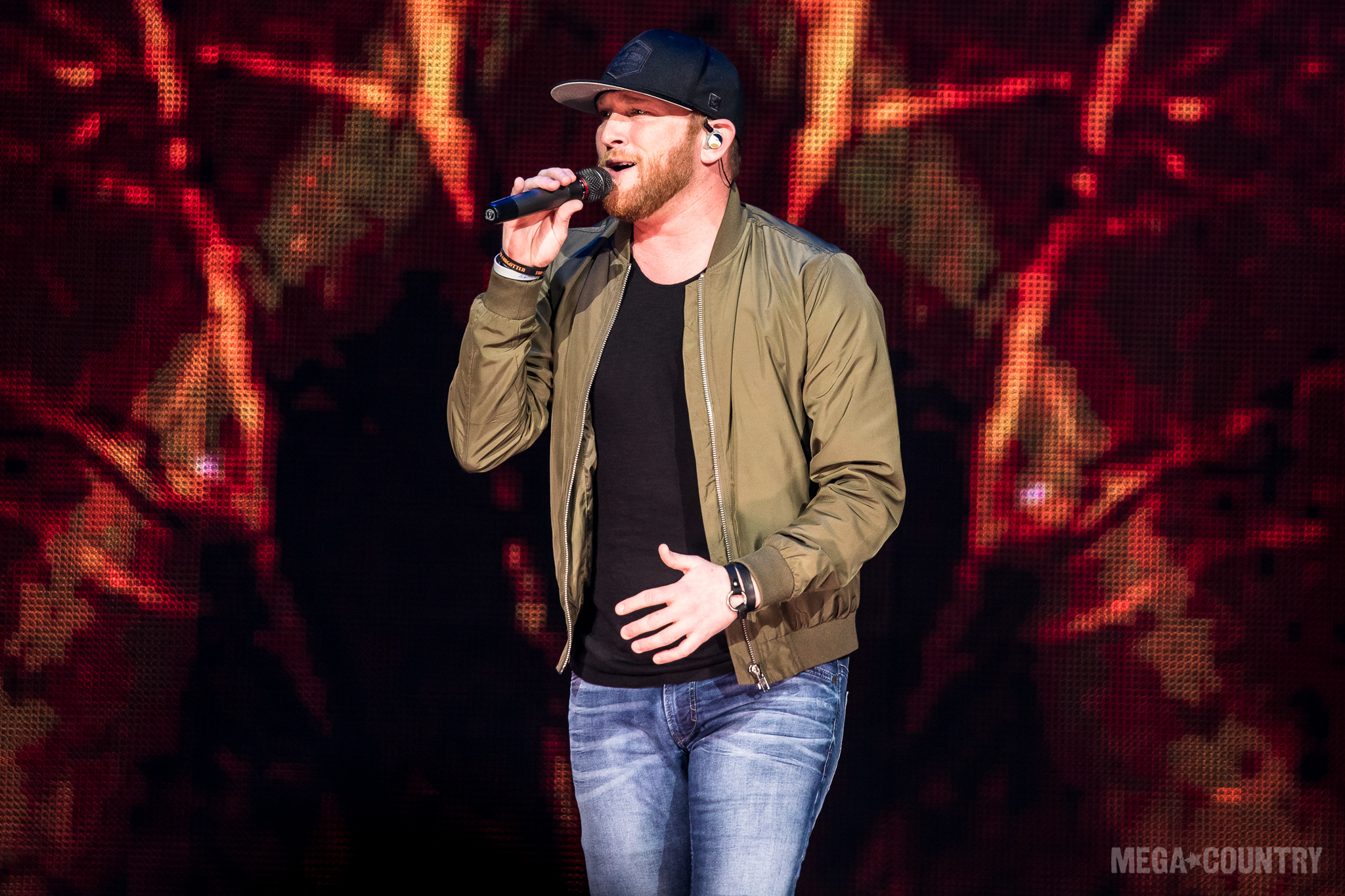 Cole Swindell Announces Reason To Drink   Anot    | News