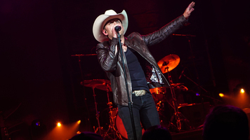 Justin Moore Donates To Victims & Survivors Of Gun Violence In Schools