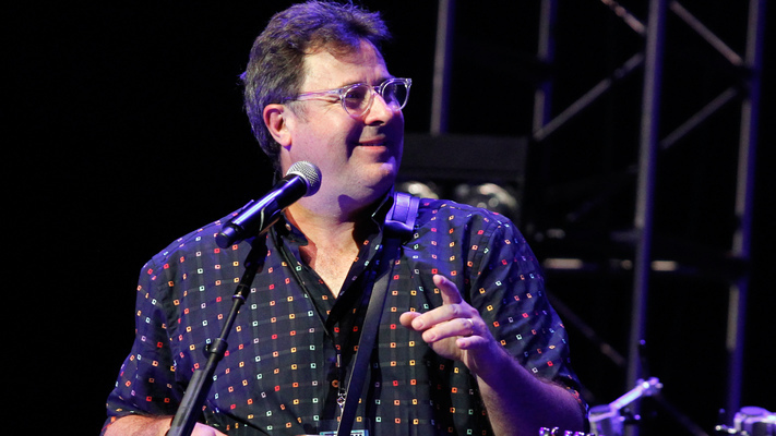 Vince Gill To Release NewHoliday Record'The Christmas Collection'