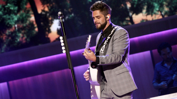 Thomas Rhett Gets Ready For A Very Hot Summer