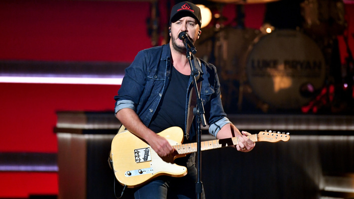 2018 Highlights: Luke Bryan's Year In Review