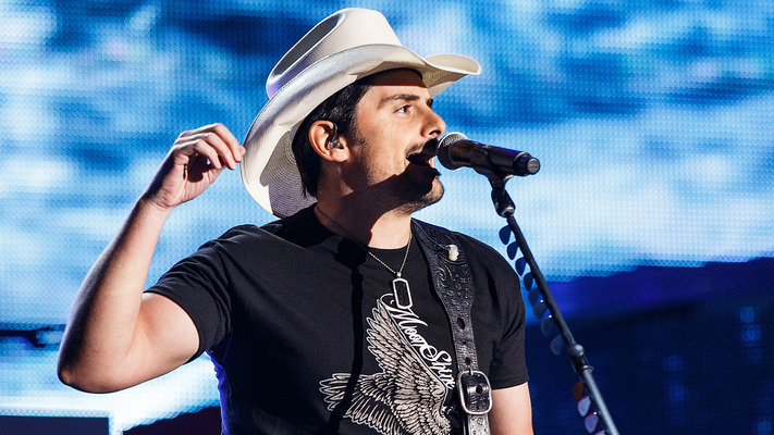Brad Paisley and Steven Tyler Team Up for 'CMA Country Christmas'