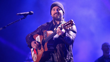 Zac Brown Band Strips Down The Beatles' 'Let It Be' Live