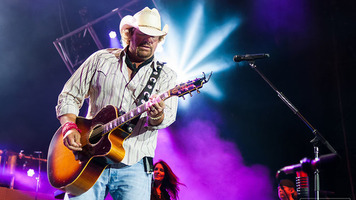 Toby Keith Pays Special Tribute to Merle Haggard at Grand Ole Opry