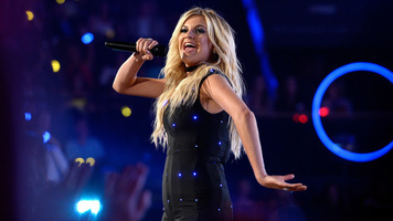 Kelsea Ballerini Wows With Live Performance of 'Peter Pan'
